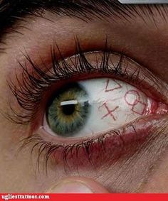 I would never want an eye tattoo, but this is so artful!