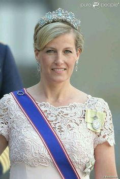 """The Countess of Wessex wearing the """"Canadian"""" aquamarine tiara. This jewel had not been seen since Queen Elizabeth wore it in Canada in She also wears her royal order and sash. Royal Crowns, Royal Tiaras, Tiaras And Crowns, Royal Life, Royal House, British Crown Jewels, Eugenie Of York, Lady Louise Windsor, Queens Jewels"""