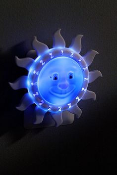 This light lets your little one know when its ok to wake up, and when they should be in bed! Supposed to be quite helpful in keeping the little ones in bed in the early hours of the morning, and getting them into bed when they want to stay up late! If the moon is up its time for bed, if the sun is up its ok to be out of bed. You can set the timer on the back!