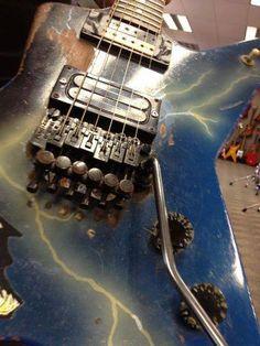 dimebag darrells dean famous guitars guitar dean guitars dimebag darrell guitar. Black Bedroom Furniture Sets. Home Design Ideas
