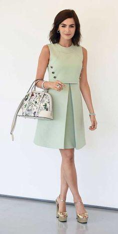 Size de bu elbise stil ikonu Audrey Hepburn'u anımsatıyor değil mi...