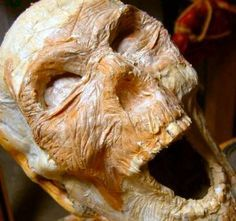 Tutorial on making corpses from paper mache.
