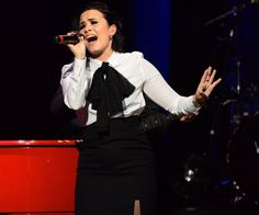 Demi Lovato performing Don't Go Breaking My Heart - January 13th