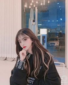 Cute Korean Girl, Cute Asian Girls, Korean Hair Color, Hair Color Streaks, Girl Hair Colors, Underlights Hair, Aesthetic Hair, Uzzlang Girl, Dye My Hair