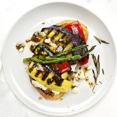 8 Vegetarian Sandwiches You'll Love - Open-Face Grilled Vegetable Sandwich: Grilled country bread is topped with part-skim ricotta, a ga - Vegetable Sandwich Recipes, Veggie Sandwich, Vegetarian Sandwiches, Veggie Bbq, Eggplant Sandwich, Vegetarian Options, Vegetarian Recipes, Cooking Recipes, Healthy Recipes