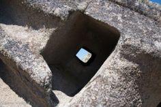 Buddusò: domus de janas di Borucca – DONNA NURAGICA