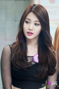 Kim Ah-young ♥ Korean Beauty, Asian Beauty, Kim Ah Young, Kpop Girl Bands, Girl's Day Yura, Girl Sday, Beautiful Asian Women, Sexy Asian Girls, Girls Generation
