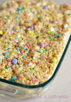 Loaded Rice Krispie Treats - Easter Sunday is les - Fruity Pebbles Rice Crispy Treats Cupcakes Desserts Ostern, Köstliche Desserts, Delicious Desserts, Dessert Recipes, Yummy Food, Dip Recipes, Easter Snacks, Easter Brunch, Easter Recipes
