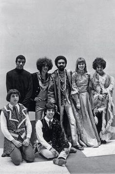 O Homem Patropi - Trip Samba Music, 60s Music, Music Film, Music Icon, Brazil Film, Brazil Music, World Music, Music Is Life, Arnaldo Baptista