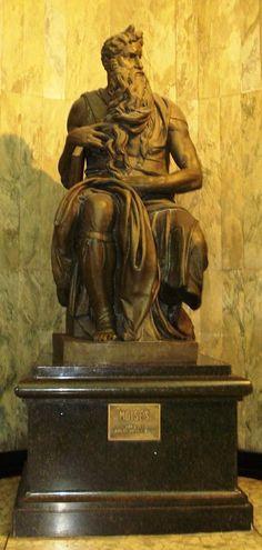 Centro de São Paulo: Moisés, escultura executada pelo Liceu de Artes e Ofícios