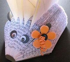 Tutos pliages de livres, livres sapin, hérissons et autres !