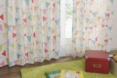 フラッグ柄の北欧調のカジュアル子供部屋カーテン