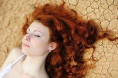 Les cheveux de Mini: Henné neutre : préparer un masque nourrissant.