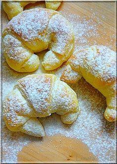 Hungarian Desserts, Hungarian Recipes, Sweets Recipes, Baking Recipes, Bread Dough Recipe, Delicious Desserts, Yummy Food, Sweet Buns, Eat Seasonal