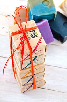 """Pachet complet gama """"Săpunul Familiei"""". Gift Wrapping, Gifts, Urban, Gift Wrapping Paper, Presents, Wrapping Gifts, Gift Packaging, Gifs, Wrapping"""
