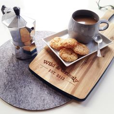 Improve your English over a cup of coffee, while helping for a good cause. #goodbites http://www.goodbites.org