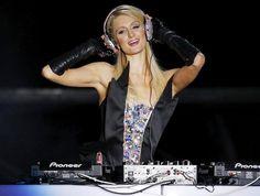 DJ Paris Hilton is in da haus baby! ★♥