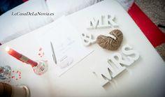 Detalle de la ceremonia. #weddingplannermadrid #weddingplannerguadalajara #LaCasaDeLaNovia.es #ceremoniacivil #decoracionboda #weddingplanner #weddingdesigners #ideasboda #bodarustica #ceremoniavelas #bodaenbeige