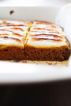 Zanim to ciasto trafiło na bloga upiekłam je wiele razy dla moich bliskich i znajomych. Pomysł powstał w zaciszu mojej kuchni, a ...