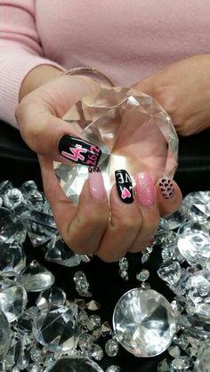 Valentine inspired nails and LA Marathon incorporated #lamarathon #marathon #26point2 #runner #pink #glitter #nailart #valentinenails