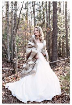 winter bridal portrait session, fur wrap, glam outdoor copyright @Kristin Vining Photography Charlotte, NC Wedding Photographer