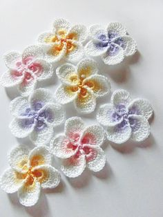 Crochet flower pattern. Plumeria Frangipani pattern, photo tutorial. Hawaiian flower applique, easy crochet pattern, instant download. ** This listing