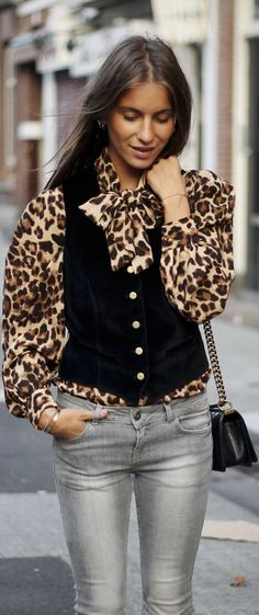 love the mix~ great look!  With a pencil skirt for the office.