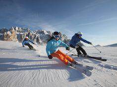 Sciare sulle Dolomiti Pic. Archivio Dolomiti SuperSki #dolomitiorg