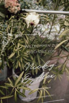 bedruckte 5mm oder 10mm glasklar Acrylplatten • bedruckbar partiell Weiß oder vierfarbenDruck! www.herzdruck.at • hello@herzdruck.at  FOTO: SOPHIE HÄUSLER PHOTOGRAPHY Pinterest Instagram, Dandelion, Flowers, Plants, Paper Mill, Printing Process, Invitation Cards, Invitations, Mariage