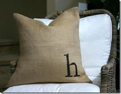 It's Overflowing: Tips to Simplify, Beautify, and Delight in Life: Creative Home Decor and Craft Projects Using Burlap
