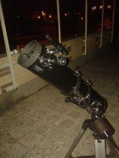Con gli amici fai a gara su chi ce l'ha più grosso, quando lo usi ti dà gioia e foto/video sono una perversione.  Telescopio