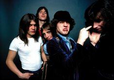 Malcolm Young de AC/DC afirma que habrá que esperar para un nuevo ...