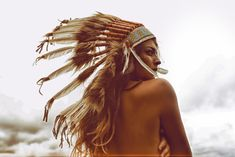Native American Headdress #BohoStyle #Bohemian Spirit  | More Bohemian Fashion http://www.pinterest.com/vinkkiez/bohemian-style/
