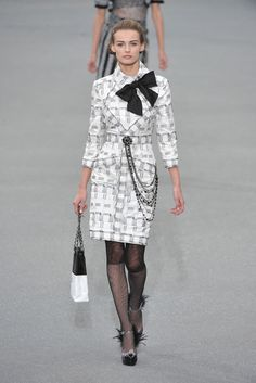 Chanel Spring 2009 Ready-to-Wear - Collection - Gallery - Style.com