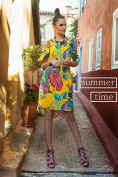 🍍🌊 Sea Summer Smile ~ Όσο ανεβαίνει η θερμοκρασία εμείς διαλέγουμε τα πιο καλοκαιρινά σχέδια! Ασύμμετρο φόρεμα με έξω τους ώμους σε μοναδικό εμπριμέ!  #queenfashion #collection #summer #dress #look #style #outfit #beaqueen