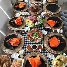 Dining Decor, Decoration Table, Moisturizer For Sensitive Skin, Indoor Picnic, Turkish Breakfast, Brunch, Food Platters, Baking Flour, Food Design