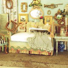 Cottage Flea Market Bedroom @Maritza Miniatures  #Padgram