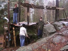 Adventure play - construction play in the school. In the school´s neighbourhood forest - with permission from the ground owner. Project Aurskog/Høland. Frode Svane.