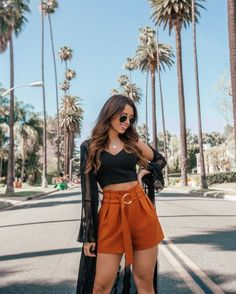Summer is not completely over yet. In many countries, this is a season where many women go out with maximum outfit. One outfit of concern in the summer Casual Fall Outfits, Summer Outfits Women, Short Outfits, Boho Outfits, Outfits For Teens, Spring Outfits, Girl Outfits, Cute Outfits, Fashion Outfits