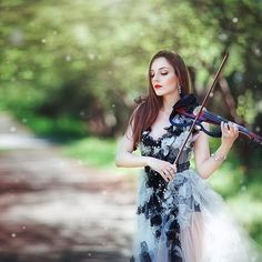 Spring in my soul🌿🌿🌿 #girl #violin #music #beauty #green #pretty #amazing  #spring #fashion #stunning_shots #followme #portraitpage #ig_portrait #ig_humanplus #resourcemag #fairytail #bestoftheday #makeportraits #igw_portraits #portraitmood #rsa_portraits #big_shots #igworldclub #folkportraits #instadaily #seekingthestars #vscoportraits #photopeople_diamond #heart_imprint
