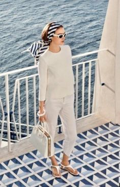 What to Wear For Party On A Boat : Best Outfit Ideas - pasta - yacht Casual Chic, Casual Elegance, Nautical Outfits, Nautical Fashion, Sailing Outfit, Boating Outfit, Classy Outfits, Casual Outfits, Fashion Outfits