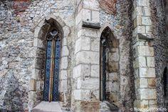 Castelul Corvinilor (Castelul Huniazilor) Vlad The Impaler, Homeland, Hungary, Prison, Castles, Military, Places, Travel, Gothic Castle