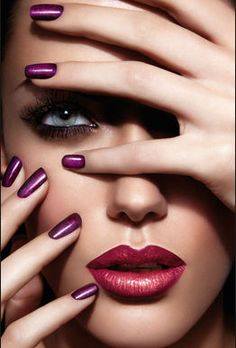 Nagellacktrends-2012-2013-ELLE-Beauty-2-articleImageTall-74556c80-241441.jpg 262×387 Pixel