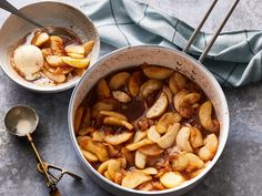 This simple spiced apples recipe is great for breakfast, a warm and yummy side, or served atop pork. If you can't find McIntosh apples, substitute another baking apple such as Rome or Gala, or try a crisp, tart green apple such as Granny Smith. Fruit Recipes, Apple Recipes, Fall Recipes, Dessert Recipes, Cooking Recipes, Cheesecake Recipes, Cooking Tips, Cinnamon Recipes, Gourmet