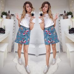 Embroidered skirt and converse spring/summer outfit