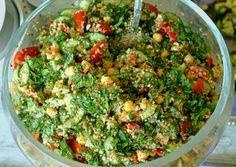 Kikkerwerten salade met Quinoa, Munt, Komkommer en pepertje