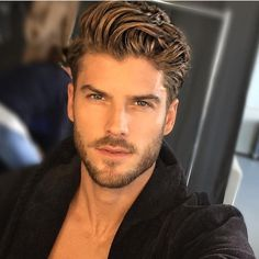 54 Cool Beard Styles For Handsome Men In This Year While countless beard styles had graced the huge screen and lots of award nights in the calendar year we've […] Mens Hairstyles With Beard, Cool Hairstyles For Men, Boy Hairstyles, Haircuts For Men, Mens Hairstyles 2014, Hairstyle Ideas, Best Beard Styles, Hair And Beard Styles, Long Hair Styles