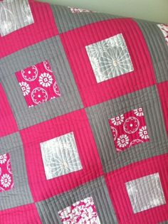 "It's finished and ready to gift to my niece this weekend!   Front   Back  Close up  This was a fun and easy quilt to make - all 3.5"" center ..."