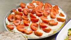 Frangipane med sitronkrem, jordbær og krem Frisk, Strawberry, Baking, Gluten, Desserts, Recipes, Food, Cakes, Tailgate Desserts