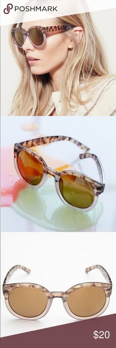 Two-Tone Abbey Road Sunglasses!  Free People! Retro-shaped plastic framed sunglasses with two-toned lenses. Rounded shape. Color: Dusty Lavender. Free People Accessories Sunglasses